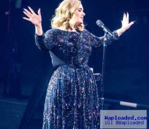 Adele Breaks Down In Tears During Her Concert, Dedicates The Whole Show To Orlando Victims